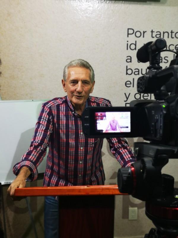 Pastor Duane recording VBI Online
