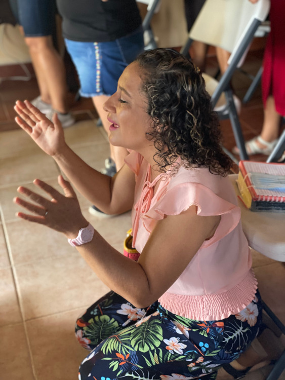 Gricelda Worshipping